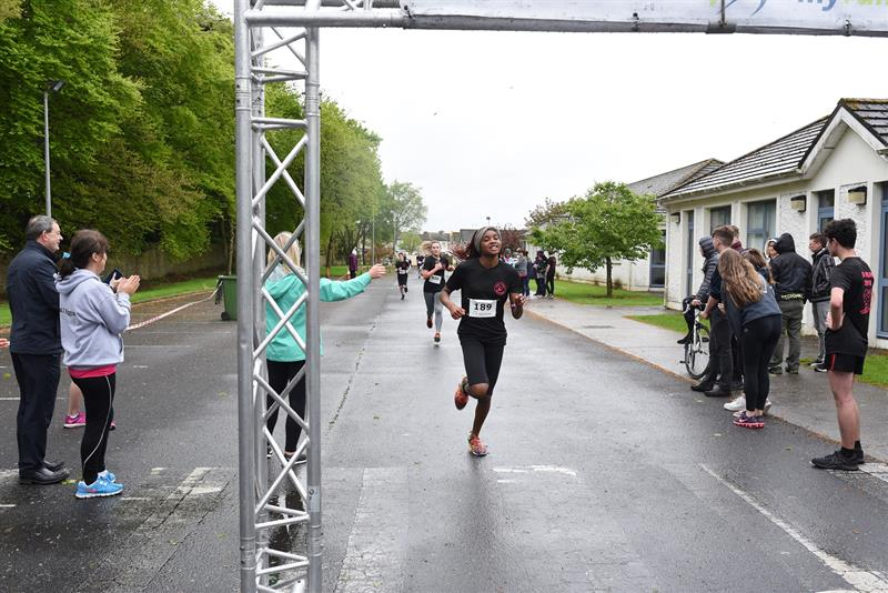 Helen Ikpotokin 100m national champion and representing Ireland in Spain in July obviously doesnt run out of steam after sprinting and is well able to go the distance ..JPG